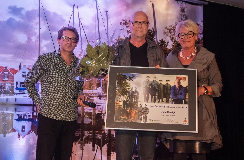 Publieksprijs RABO Cultuurprijs 2014 vlnr: Frenk v.d. Linden, presentator uitreiking, Jaap Reedijk, winnaar publieksprijs, Greet de Koning, voorzitter Culturele Raad